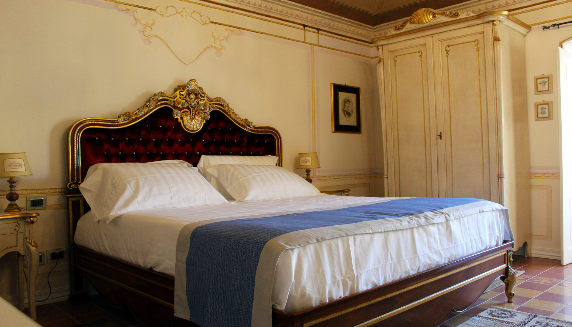 suite-luxury-gusthouse-les-suite-royales-sassari